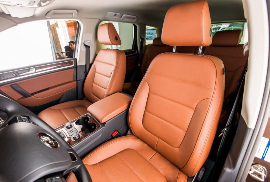 Перетяжка салона VW Touareg