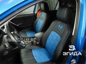 Авточехлы черно-синие с квадратами и логотипом